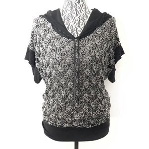 BKE women's short sleeve lace hoodie small medium